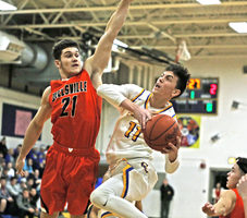 Tiger Rally Past Indians